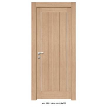 Porta Listellare rivestita in Laminato con Profilo Onda