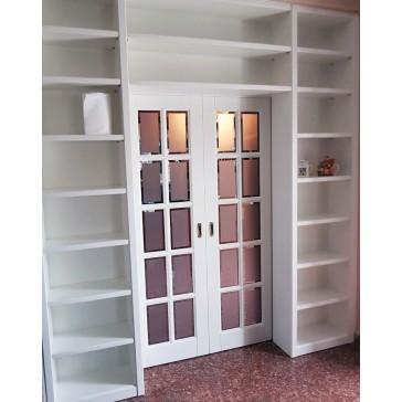 porta libreria laccata bianca con vetri molati