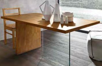 Tavoli Con Gambe Di Vetro : Tavolo moderno in legno massello con struttura in vetro