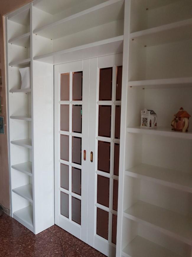 Porta con libreria laccata bianca - Libreria con porta scorrevole ...